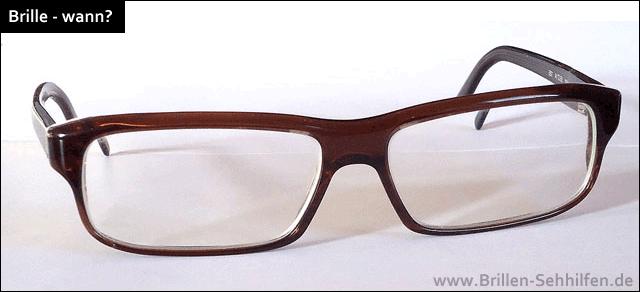 Koreanerin Benutzt Eine Brille